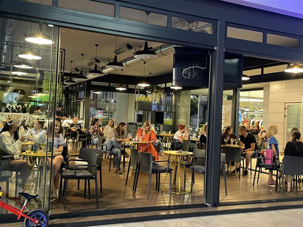 Ljeto uz Sounds good četvrtke City Caffea je i služben otvoreno! !